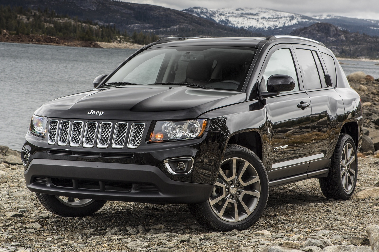 2015_jeep_compass-pic-5816040525679992237-1600x1200