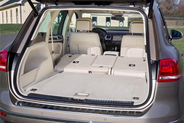 Volkswagen Touareg 2016 багажный отсек