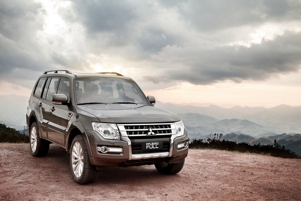 mitsubishi_pajero_full_5-door_12