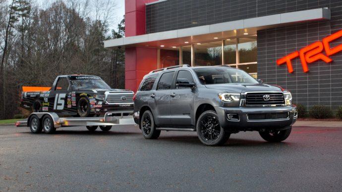 Фото: новый Toyota Sequoia 2018
